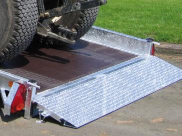 Rear loading ramp