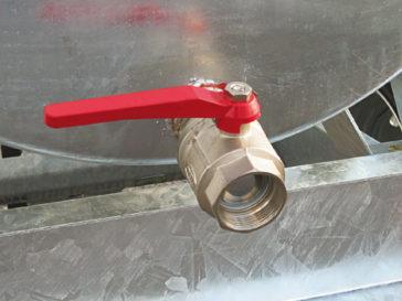 Rear valve